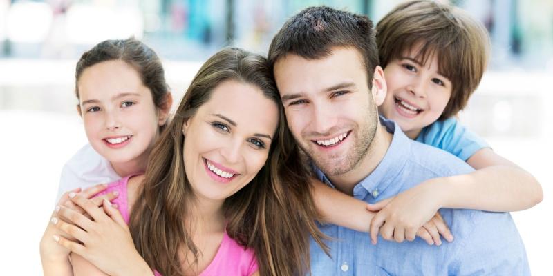 Szczęśliwa i spokojna rodzina
