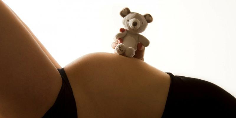 Ciąża po cesarce – jakie komplikacje się z nią wiążą? Jak o nią dbać?